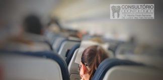Meu dente doi quando voo é normal?